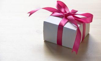 クリスマスに女性が男性へ贈るプレゼント、キーワードは実用性?